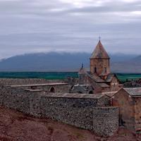 Más de 245 monumentos armenios están en peligro de extinción