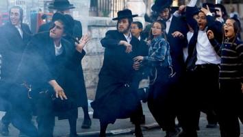 16_ultra-orthodox-jews-rioting-in-jerusalem-355x200